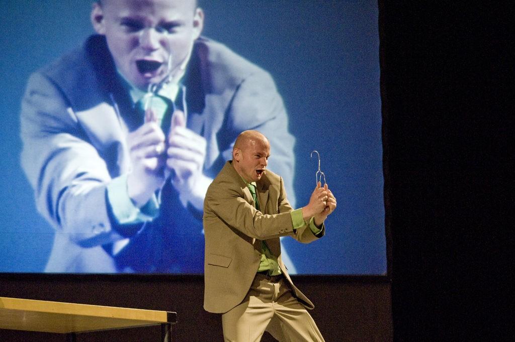 Comedy-Rede, Wirtschafts-Kabarett und lustige Unterhaltung für Ihren Business Event. Serviceexperte und Business-Kabarettist Armin Nagel motiviert mit seinem lustigen Vortrag zum Thema Service.